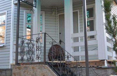 Козырёк лестница перила в Аксаково