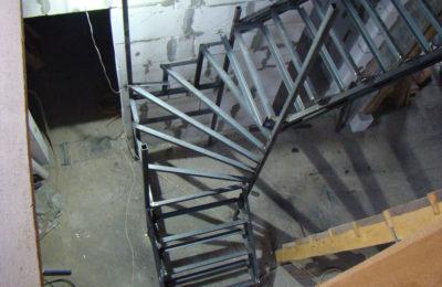 Лестница из уголка в шемякино