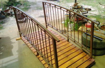 Кованный садовый мостик в трудовую