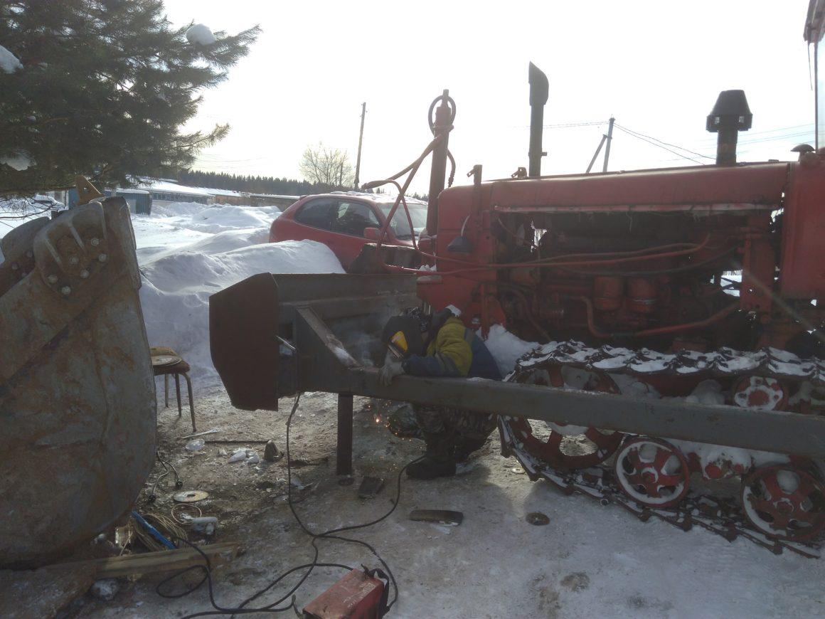 ремонт сварочный отвала на тракторе дт