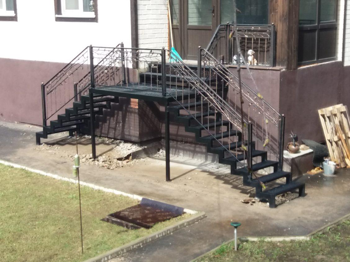 Уличная лестница из металла в долгопрудном фото
