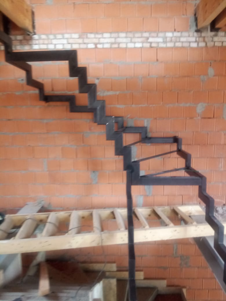 лестница из проф трубы