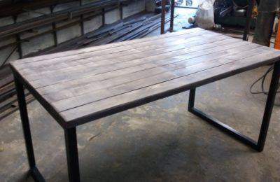 Обеденный стол — лофт