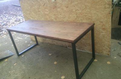 Обеденный стол из металла в стиле Лофт