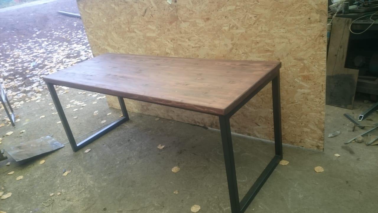 Сварной стол в стиле лофт