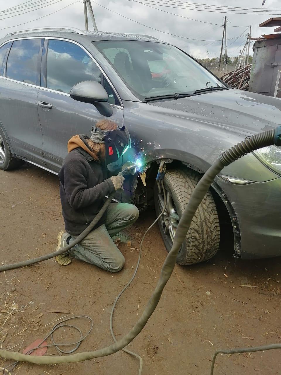 Сварка алюминиевого крыла аргоном полуавтоматом -на Порше
